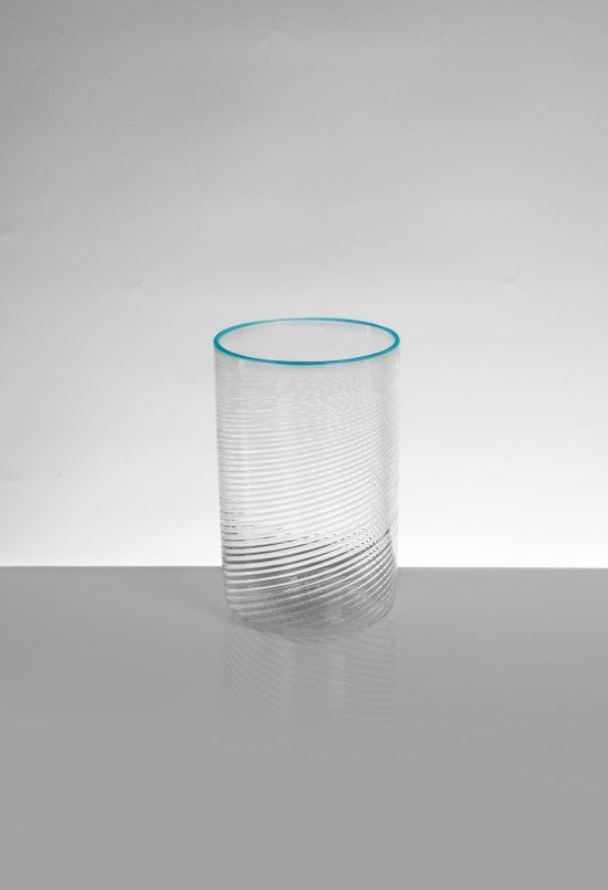 bicchiere vino tondo ritorto azzurro trasparente